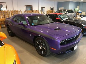 Challenger R/T HEMI V8 in Plumb Crazy Purple