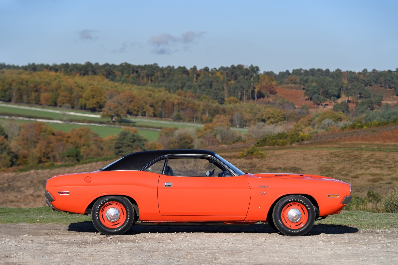 1970 Dodge Challenger RT 426 'HEMI' For Sale (picture 4 of 12)