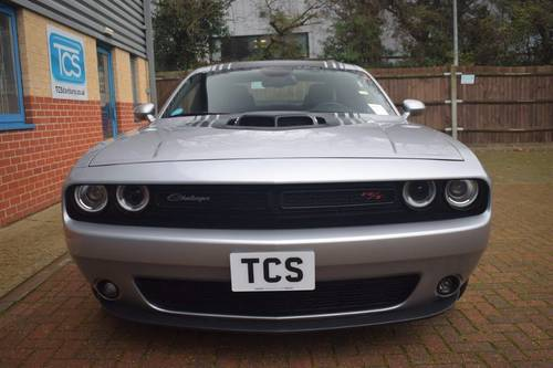 2016 Dodge Challenger R/T SHAKER HEMI V8 For Sale (picture 4 of 6)
