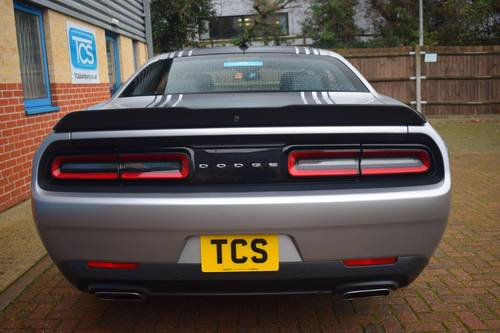 2016 Dodge Challenger R/T SHAKER HEMI V8 For Sale (picture 5 of 6)