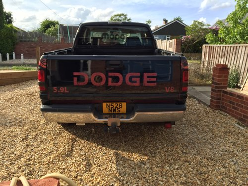 1995 Dodge Ram 1500 V8 5.9 with LPG returning 25/30 mpg For Sale (picture 2 of 5)