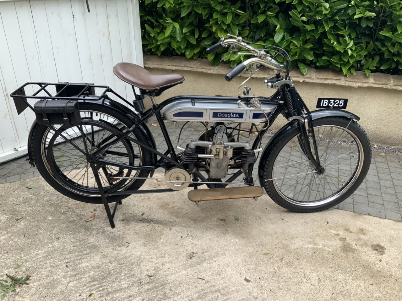 1912 Douglas 2 3/4hp Absolutely stunning For Sale (picture 1 of 6)