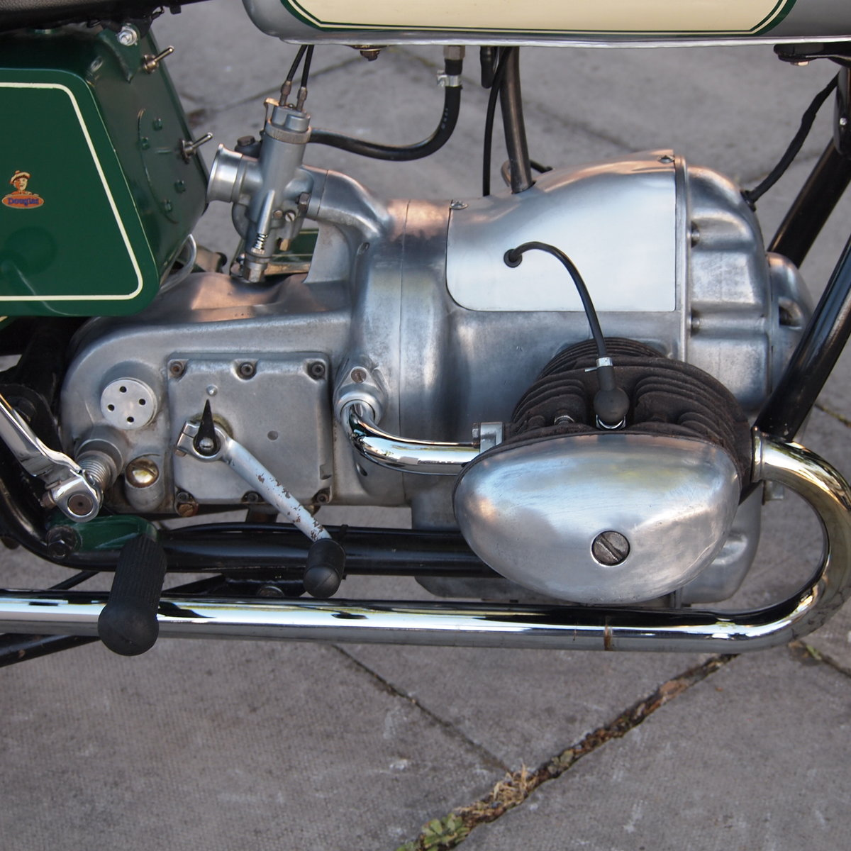 1957 Douglas Dragonfly 350 In Rare Reverse Colours. For Sale (picture 2 of 6)