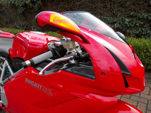 2004 DUCATI 749S.STUNNING AND ORIGINAL.£4975  ono. For Sale (picture 3 of 6)