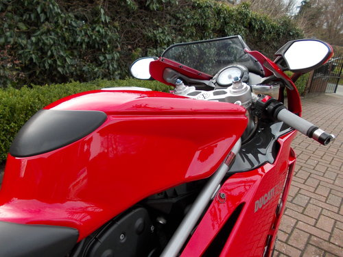 2004 DUCATI 749S.STUNNING AND ORIGINAL.£4975  ono. For Sale (picture 4 of 6)