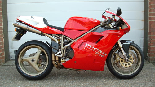 Ducati 916 BIPOSTO 1999-T **STUNNING,LOW MILES** SOLD (picture 1 of 6)