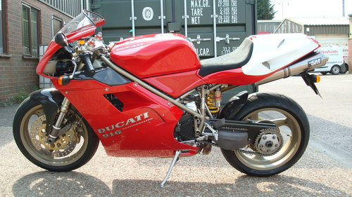 Ducati 916 BIPOSTO 1999-T **STUNNING,LOW MILES** SOLD (picture 6 of 6)
