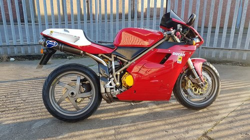 1998 DUCATI 748 - LOW MILES - FULL HISTORY - MANY EXTRAS  SOLD (picture 1 of 6)
