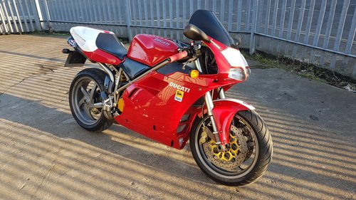 1998 DUCATI 748 - LOW MILES - FULL HISTORY - MANY EXTRAS  SOLD (picture 2 of 6)