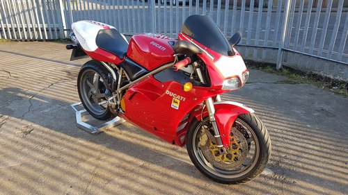 1998 DUCATI 748 - LOW MILES - FULL HISTORY - MANY EXTRAS  SOLD (picture 3 of 6)