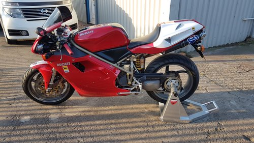 1998 DUCATI 748 - LOW MILES - FULL HISTORY - MANY EXTRAS  SOLD (picture 4 of 6)