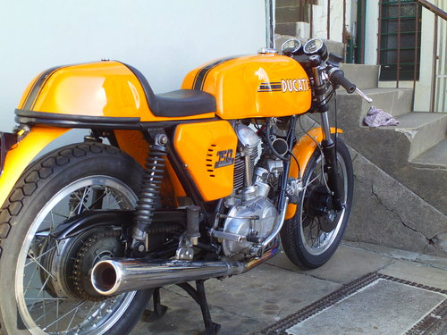 1975 DUCATI 750 SPORT ROUNDCASE SOLD (picture 2 of 6)