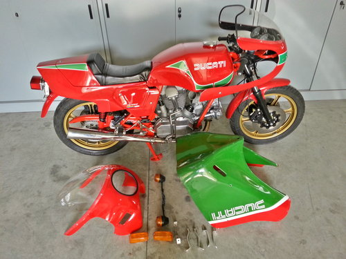 1983 Ducati 900 Mike Hilwood Replica For Sale (picture 4 of 6)
