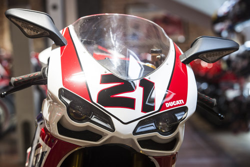 2009 Ducati 1098R TROY BAYLISS NEW/OLD STOCK NO 353 of 500 For Sale (picture 3 of 6)