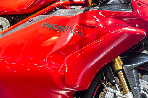 2004 Ducati 749R Stunning Condition with Termignoni Exhaust For Sale (picture 2 of 6)