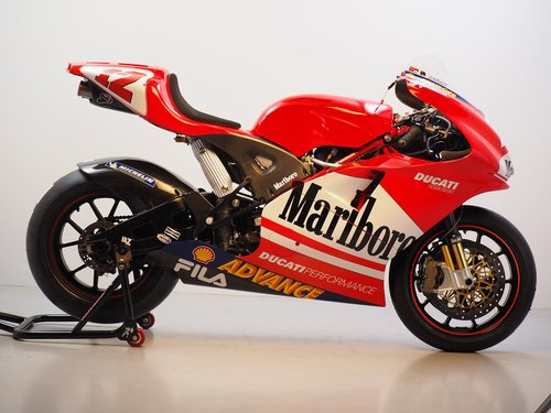 2003 Ducati GP3 ex-Troy Bayliss For Sale (picture 1 of 6)