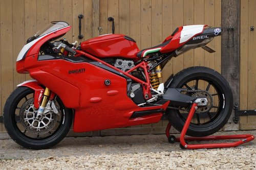 2005 Ducati 999 1000 S 998cc FULL RACE SUPERSTOCK SPEC For Sale (picture 1 of 6)