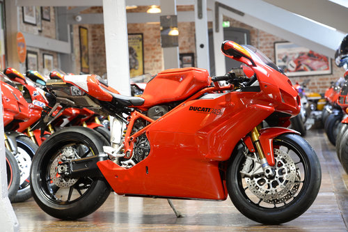 2007 Ducati 749R Stunning Condition 2nd Generation For Sale (picture 1 of 6)