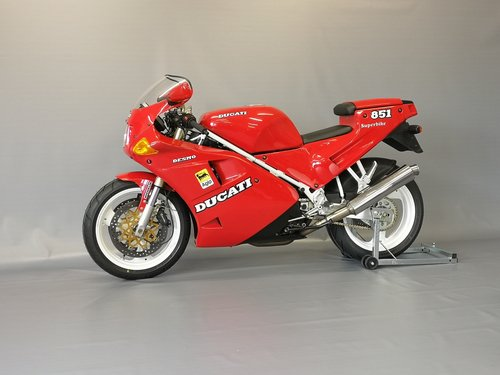 1991 Ducati 851, like new, only 11346 km SOLD (picture 1 of 6)