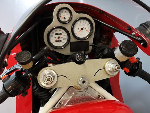1991 Ducati 851, like new, only 11346 km SOLD (picture 4 of 6)