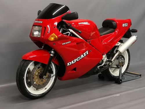 1990 Ducati 851, new full service, tyres... SOLD (picture 2 of 6)