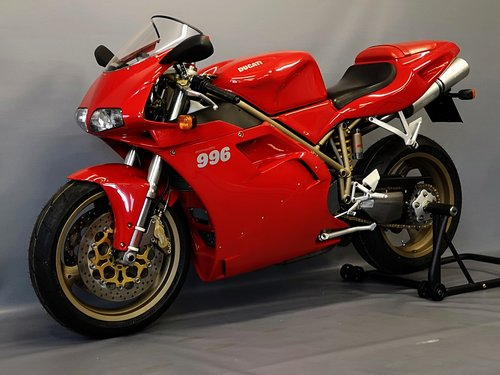 1999 Ducati 996 - Series 1 like new  - One Owner - New Service For Sale (picture 2 of 6)