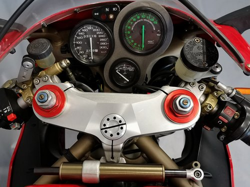 1999 Ducati 996 - Series 1 like new  - One Owner - New Service For Sale (picture 3 of 6)
