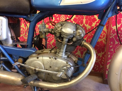 1960 nice ducati 125 overhead camschaft For Sale (picture 3 of 4)