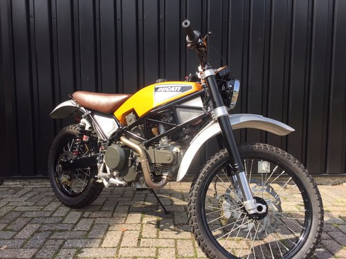 1998 Ducati Scrambler 600 special For Sale (picture 3 of 6)