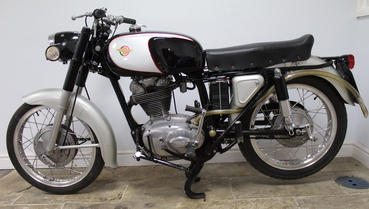 1966 Ducati 350 cc Sebring Lovely classic Ducati  For Sale (picture 4 of 6)