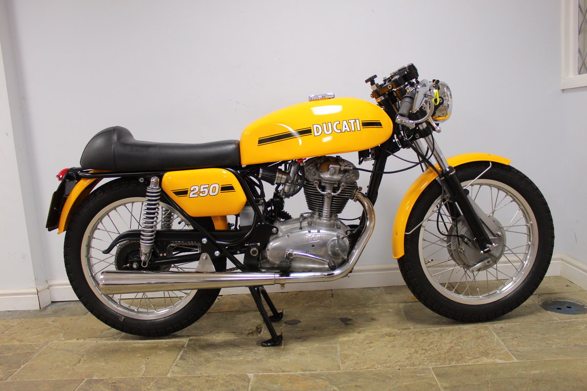 1975 Ducati MK3 250 cc Single  Excellent condition SOLD (picture 1 of 6)