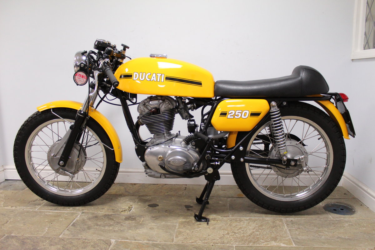1975 Ducati MK3 250 cc Single  Excellent condition SOLD (picture 5 of 6)