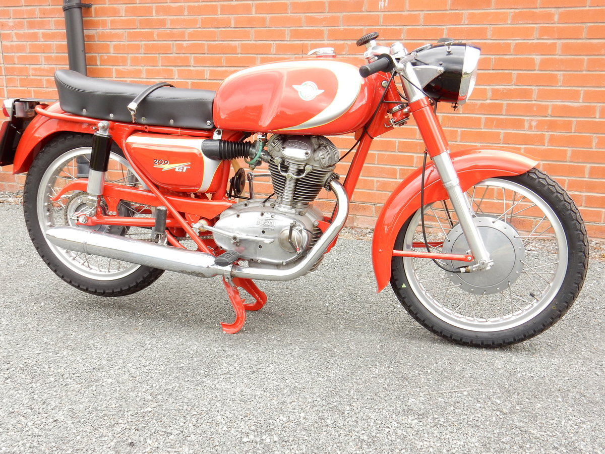 DUCATI 200 GT 1965 204cc - Stunning Example of this Italian  For Sale (picture 1 of 2)