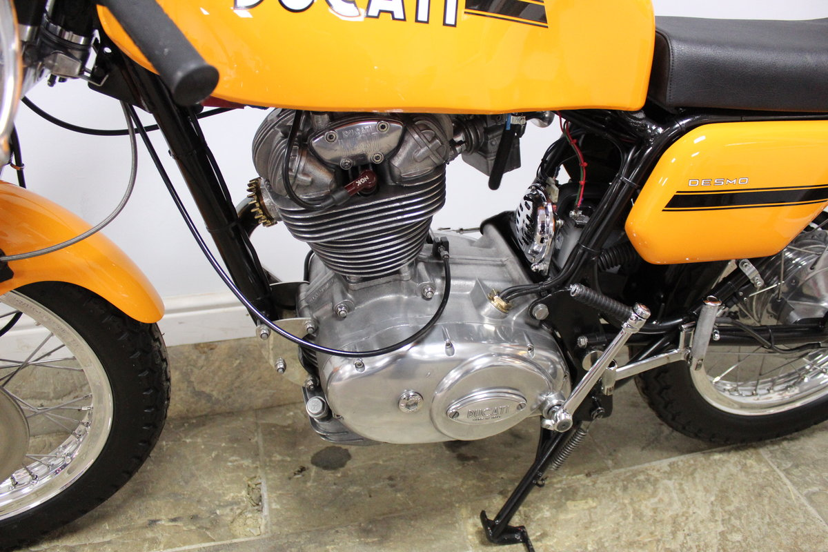 1975 Ducati 250 cc Desmo Single Cylinder Italian Lightweight SOLD (picture 6 of 6)