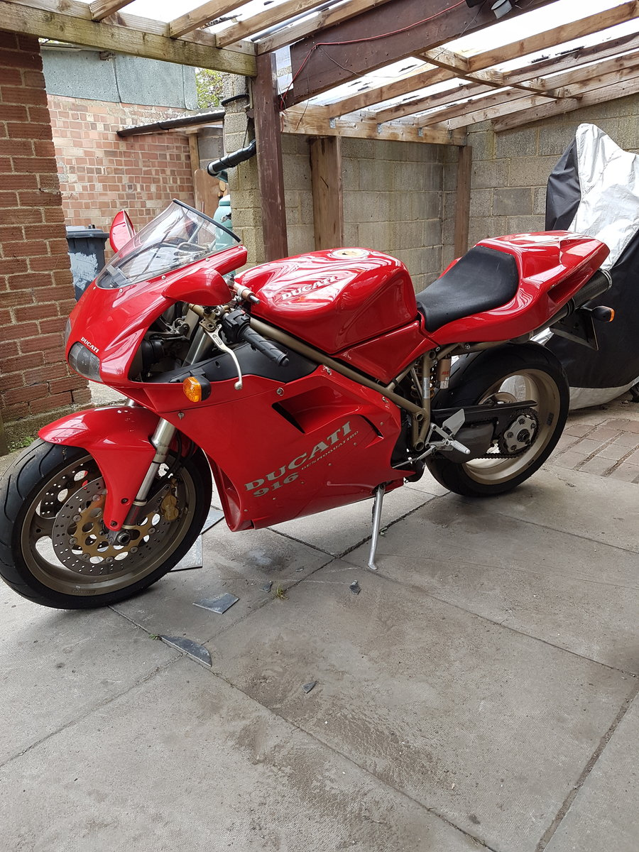 Ducati 916, 1996, 11,000 miles For Sale (picture 1 of 6)