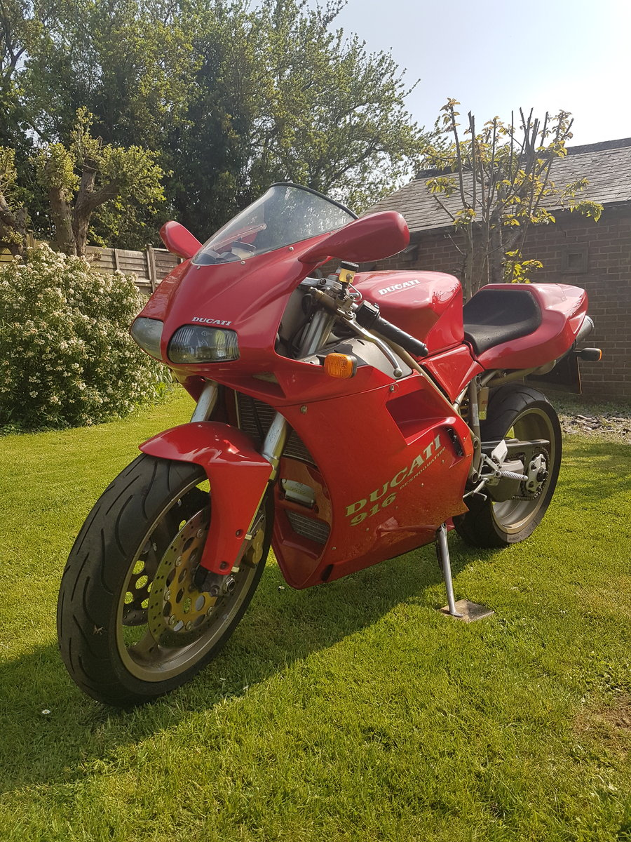 Ducati 916, 1996, 11,000 miles For Sale (picture 2 of 6)