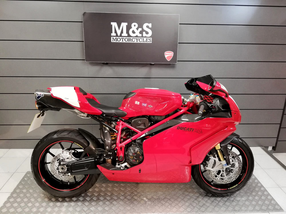 2004 Ducati 749R SOLD (picture 1 of 6)
