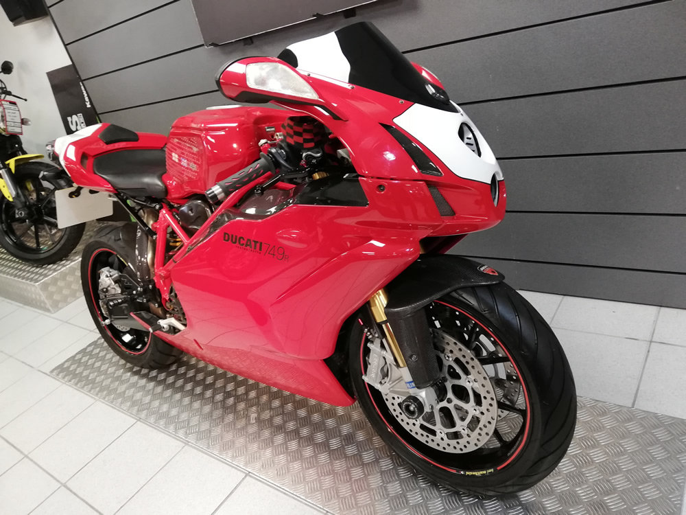 2004 Ducati 749R SOLD (picture 2 of 6)