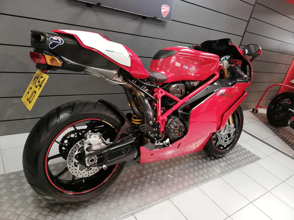 2004 Ducati 749R SOLD (picture 3 of 6)