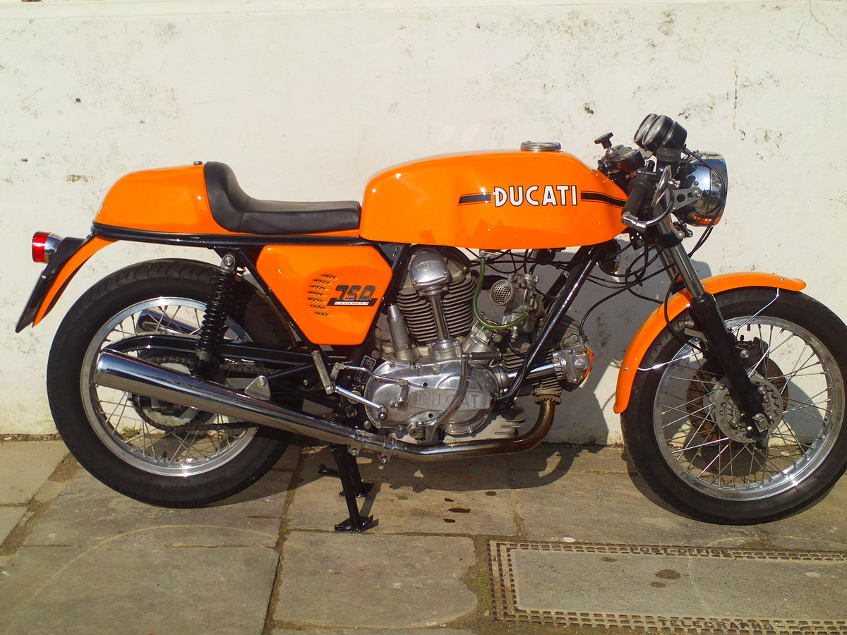 1974 DUCATI 750 SPORT ROUND CASE BEVEL For Sale (picture 1 of 6)