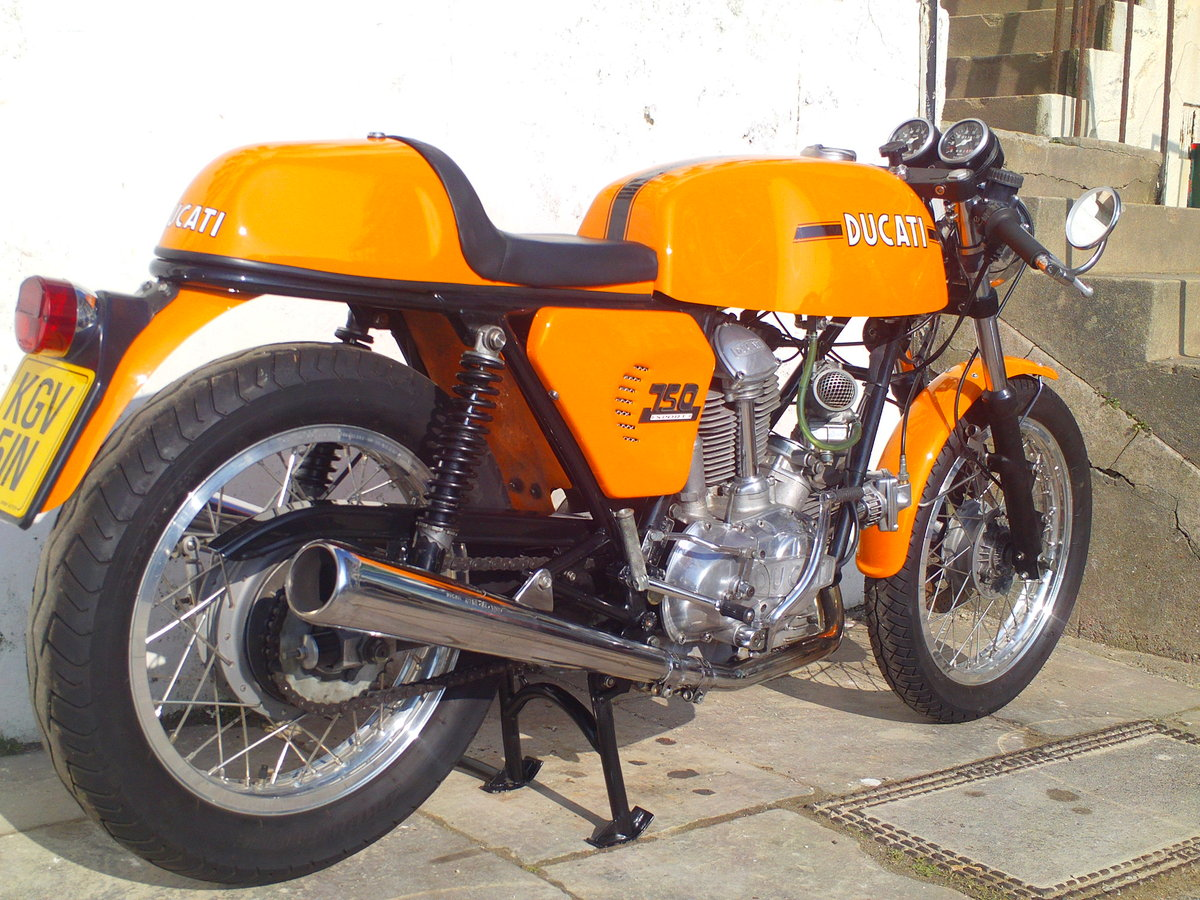 1974 DUCATI 750 SPORT ROUND CASE BEVEL For Sale (picture 2 of 6)