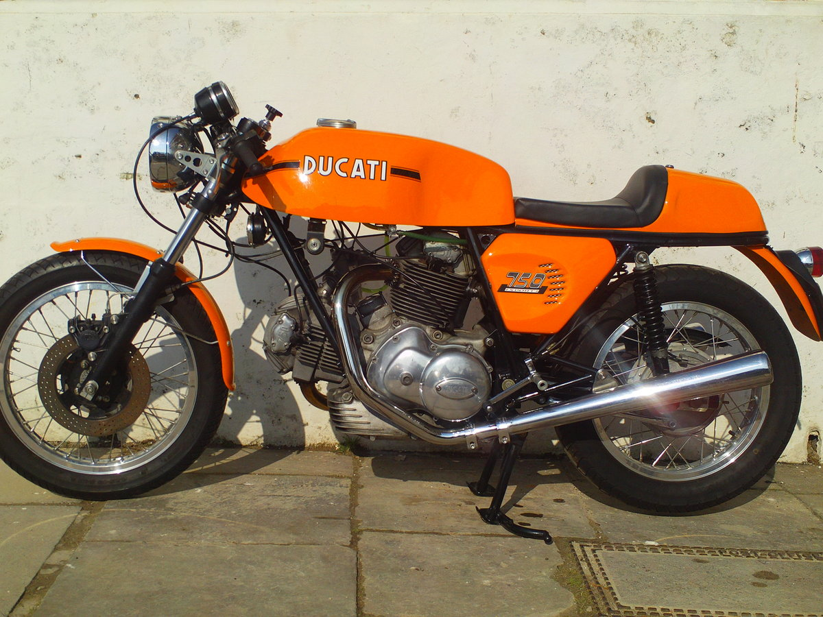 1974 DUCATI 750 SPORT ROUND CASE BEVEL For Sale (picture 3 of 6)