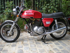 1972 Ducati 750GT round Case For Sale