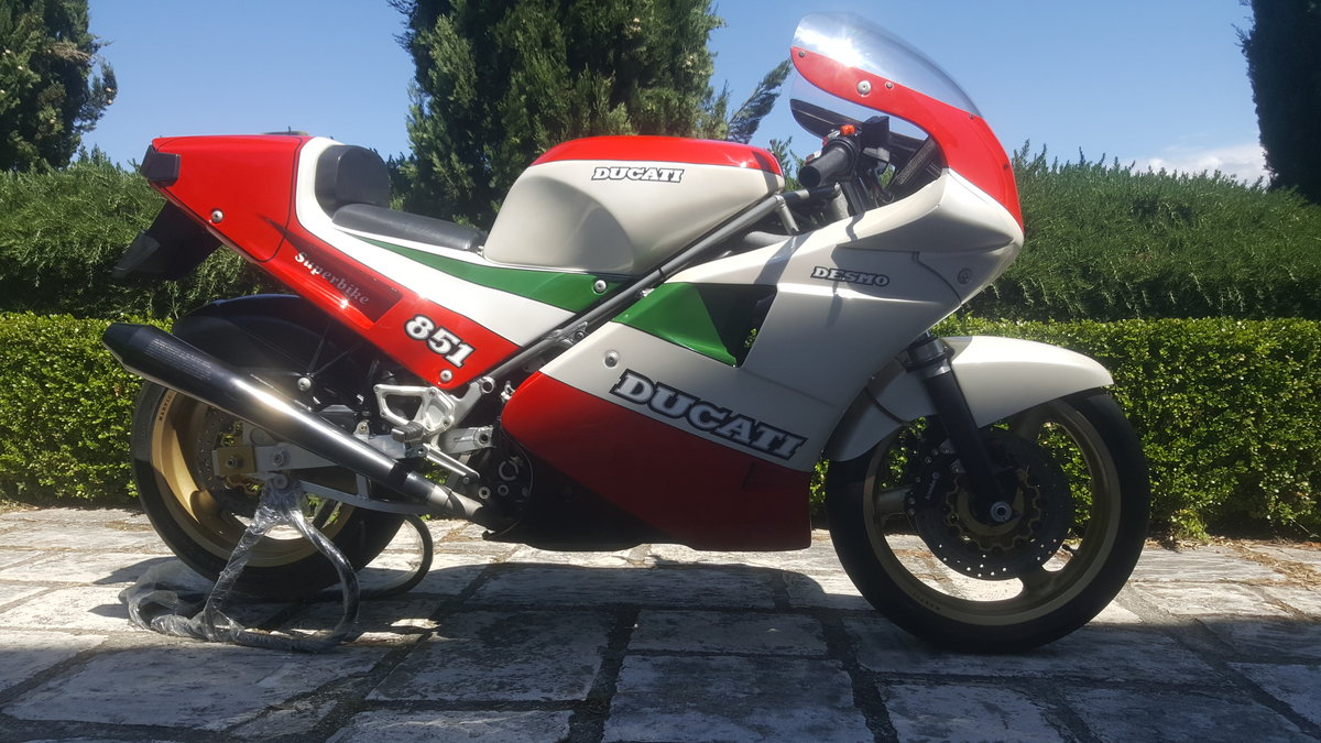 1988 Ducati Tricolore Kit (Racing) New. 207 produced For Sale (picture 1 of 6)