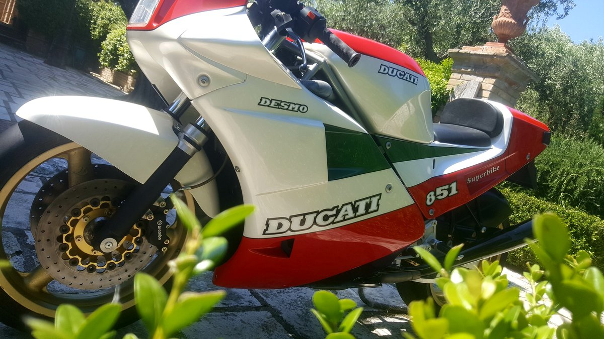 1988 Ducati Tricolore Kit (Racing) New. 207 produced For Sale (picture 2 of 6)