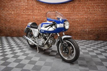1979 Ducati 900 Super Sport = Silver(~)Blue Racing Stripes  For Sale (picture 1 of 6)