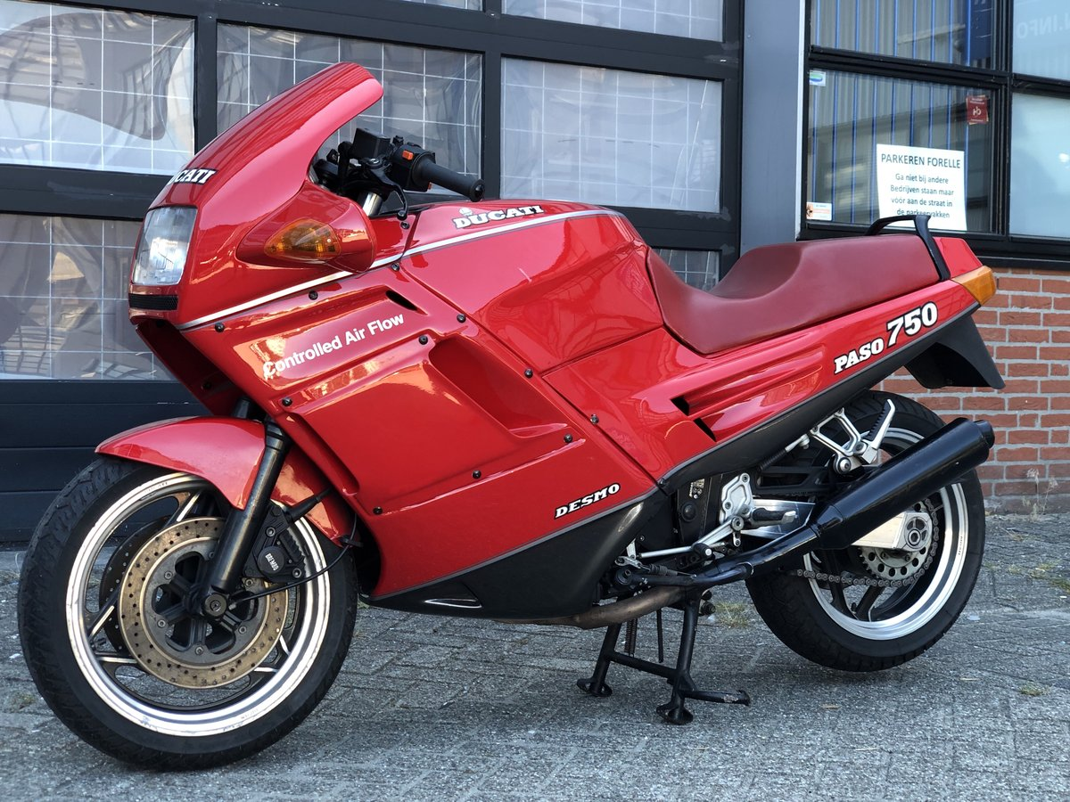 1993 Ducati 750 PASO collector bike ,top conditions SOLD (picture 2 of 6)