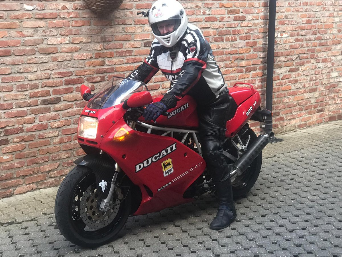 2002 Ducati 900SS low miles Excellent condition For Sale (picture 2 of 6)