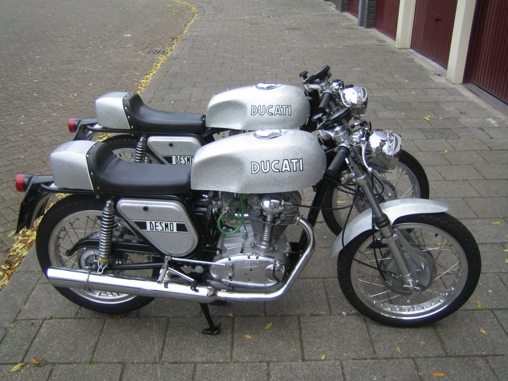 1972 Ducati 350 Silver DesmoNew unused restored  For Sale (picture 3 of 3)