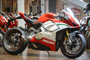 2019 DUCATI V4 SPECIALE BRAND NEW - Akropovic exhaust fitted For Sale